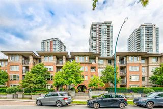 "Photo 3: 311 3097 LINCOLN Avenue in Coquitlam: New Horizons Condo for sale in ""LARKIN HOUSE WEST"" : MLS®# R2478421"