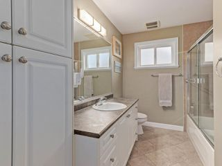 """Photo 12: 6044 46A Avenue in Delta: Holly House for sale in """"SANDERSON LANE"""" (Ladner)  : MLS®# R2496420"""