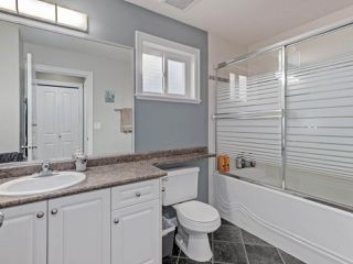 """Photo 9: 6044 46A Avenue in Delta: Holly House for sale in """"SANDERSON LANE"""" (Ladner)  : MLS®# R2496420"""