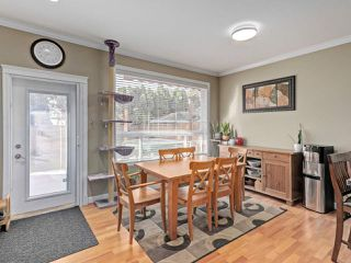 """Photo 7: 6044 46A Avenue in Delta: Holly House for sale in """"SANDERSON LANE"""" (Ladner)  : MLS®# R2496420"""