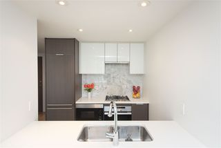 """Photo 8: 602 110 SWITCHMEN Street in Vancouver: Mount Pleasant VE Condo for sale in """"LIDO"""" (Vancouver East)  : MLS®# R2512694"""