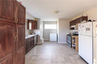 Photo 5: 73 DELWOOD Drive in Steinbach: R16 Residential for sale : MLS®# 202100768