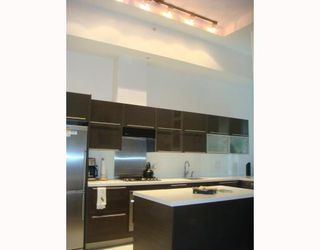 """Photo 3: 102 1252 HORNBY Street in Vancouver: Downtown VW Condo for sale in """"PURE"""" (Vancouver West)  : MLS®# V798745"""