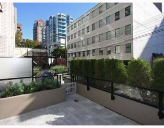 """Photo 8: 102 1252 HORNBY Street in Vancouver: Downtown VW Condo for sale in """"PURE"""" (Vancouver West)  : MLS®# V798745"""