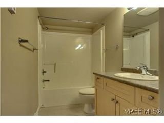 Photo 6: 103 908 Brock Ave in VICTORIA: La Langford Proper Row/Townhouse for sale (Langford)  : MLS®# 529060