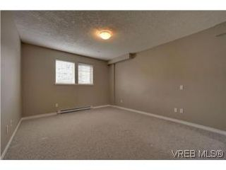 Photo 7: 103 908 Brock Avenue in VICTORIA: La Langford Proper Townhouse for sale (Langford)  : MLS®# 274150