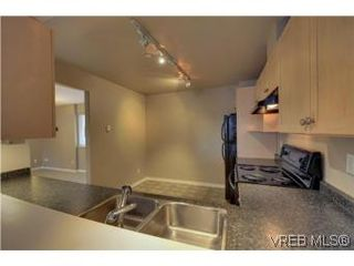 Photo 5: 103 908 Brock Avenue in VICTORIA: La Langford Proper Townhouse for sale (Langford)  : MLS®# 274150