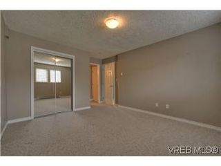 Photo 8: 103 908 Brock Avenue in VICTORIA: La Langford Proper Townhouse for sale (Langford)  : MLS®# 274150