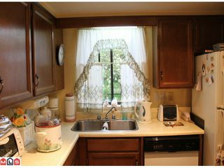 "Photo 2: 202 1368 FOSTER Street: White Rock Condo for sale in ""THE KINGFISHER"" (South Surrey White Rock)  : MLS®# F1012878"