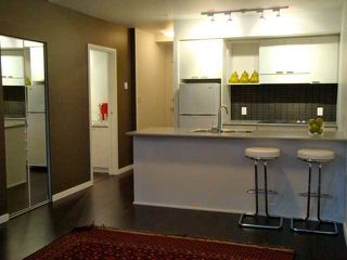 """Photo 2: 680 CITADEL PARADE in Vancouver: Downtown VW Townhouse for sale in """"SPECTRUM 3"""" (Vancouver West)  : MLS®# V859501"""