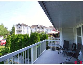 "Photo 9: 2 13964 72ND Avenue in Surrey: East Newton Townhouse for sale in ""Upton North"" : MLS®# F2820412"