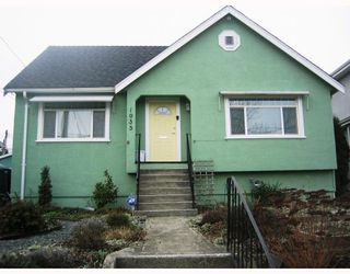 Photo 1: 1935 LONDON Street in New_Westminster: West End NW House for sale (New Westminster)  : MLS®# V752198