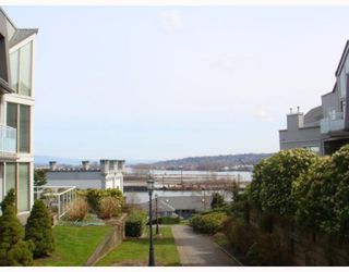 """Photo 12: 106 68 RICHMOND Street in New_Westminster: Fraserview NW Condo for sale in """"GATEHOUSE PLACE"""" (New Westminster)  : MLS®# V759440"""