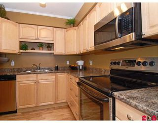 "Photo 2: 302 1544 FIR Street in White_Rock: White Rock Condo for sale in ""JUNIPER ARMS"" (South Surrey White Rock)  : MLS®# F2911723"