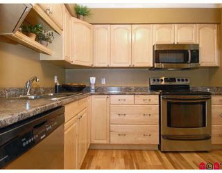 "Photo 3: 302 1544 FIR Street in White_Rock: White Rock Condo for sale in ""JUNIPER ARMS"" (South Surrey White Rock)  : MLS®# F2911723"