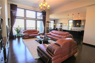 Photo 3: 213 Oak Lawn Road in Winnipeg: Bridgwater Forest Residential for sale (1R)  : MLS®# 1924628
