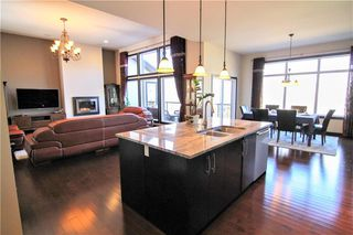 Photo 4: 213 Oak Lawn Road in Winnipeg: Bridgwater Forest Residential for sale (1R)  : MLS®# 1924628