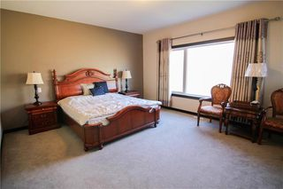 Photo 7: 213 Oak Lawn Road in Winnipeg: Bridgwater Forest Residential for sale (1R)  : MLS®# 1924628