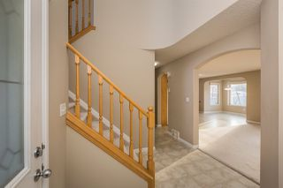 Photo 3: 129 Castle Drive in Edmonton: Zone 27 House for sale : MLS®# E4181501