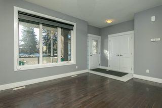 Photo 9: 8744 92A Avenue in Edmonton: Zone 18 House Half Duplex for sale : MLS®# E4189715