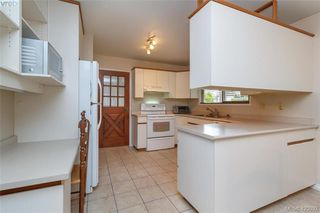 Photo 10: 8505 Ebor Terrace in NORTH SAANICH: NS Bazan Bay Single Family Detached for sale (North Saanich)  : MLS®# 423892