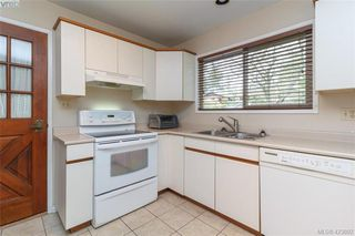 Photo 11: 8505 Ebor Terrace in NORTH SAANICH: NS Bazan Bay Single Family Detached for sale (North Saanich)  : MLS®# 423892