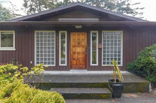 Photo 3: 8505 Ebor Terrace in NORTH SAANICH: NS Bazan Bay Single Family Detached for sale (North Saanich)  : MLS®# 423892