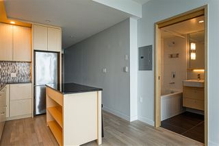 "Photo 9: 3209 13495 CENTRAL Avenue in Surrey: Whalley Condo for sale in ""3 CIVIC PLAZA"" (North Surrey)  : MLS®# R2473048"