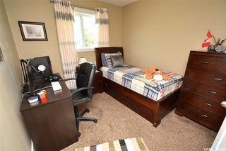 Photo 18: 413 X Avenue South in Saskatoon: Meadowgreen Residential for sale : MLS®# SK819695
