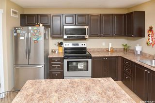 Photo 7: 413 X Avenue South in Saskatoon: Meadowgreen Residential for sale : MLS®# SK819695