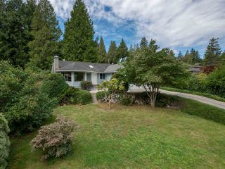 Photo 3: 7639 EUREKA Avenue in Halfmoon Bay: Halfmn Bay Secret Cv Redroofs House for sale (Sunshine Coast)  : MLS®# R2488854