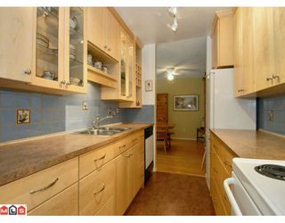 """Photo 18: 204 12890 17TH Avenue in Surrey: Crescent Bch Ocean Pk. Condo for sale in """"OCEAN PARK PLACE"""" (South Surrey White Rock)  : MLS®# F1003860"""