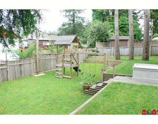 "Photo 10: 11815 98A Avenue in Surrey: Royal Heights House for sale in ""Royal Heights"" (North Surrey)  : MLS®# F2817979"
