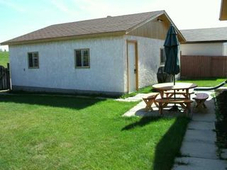 Photo 2: 15 BLAIRMORE GARDENS in WINNIPEG: Transcona Single Family Detached for sale (North East Winnipeg)  : MLS®# 2615286