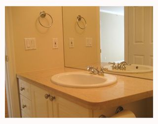 "Photo 8: 203 5700 LARCH Street in Vancouver: Kerrisdale Condo for sale in ""ELM PARK PLACE"" (Vancouver West)  : MLS®# V764568"