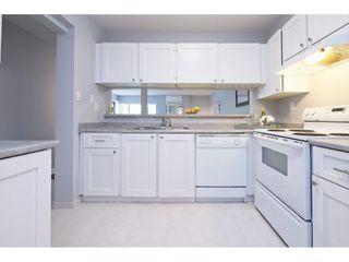 "Photo 5: 308 15313 19 Avenue in Surrey: King George Corridor Condo for sale in ""Village Terrace"" (South Surrey White Rock)  : MLS®# R2406758"