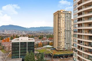 "Photo 1: 1702 5883 BARKER Avenue in Burnaby: Metrotown Condo for sale in ""ALDYNNE ON THE PARK"" (Burnaby South)  : MLS®# R2420106"