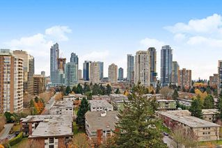 "Photo 2: 1702 5883 BARKER Avenue in Burnaby: Metrotown Condo for sale in ""ALDYNNE ON THE PARK"" (Burnaby South)  : MLS®# R2420106"