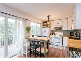 """Photo 3: 4 33900 MAYFAIR Avenue in Abbotsford: Central Abbotsford Townhouse for sale in """"Mayfair Gardens"""" : MLS®# R2444241"""
