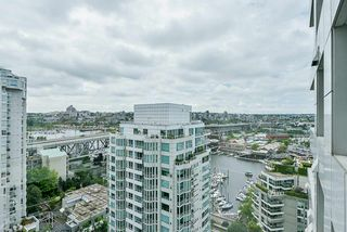 "Photo 18: 2002 1500 HORNBY Street in Vancouver: Yaletown Condo for sale in ""888 BEACH"" (Vancouver West)  : MLS®# R2461920"