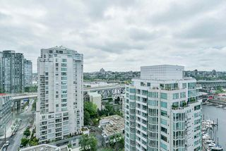 "Photo 17: 2002 1500 HORNBY Street in Vancouver: Yaletown Condo for sale in ""888 BEACH"" (Vancouver West)  : MLS®# R2461920"
