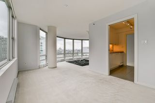 "Photo 22: 2002 1500 HORNBY Street in Vancouver: Yaletown Condo for sale in ""888 BEACH"" (Vancouver West)  : MLS®# R2461920"