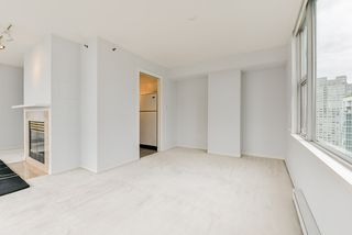 "Photo 19: 2002 1500 HORNBY Street in Vancouver: Yaletown Condo for sale in ""888 BEACH"" (Vancouver West)  : MLS®# R2461920"