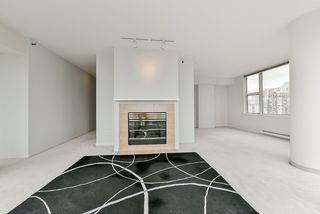 "Photo 8: 2002 1500 HORNBY Street in Vancouver: Yaletown Condo for sale in ""888 BEACH"" (Vancouver West)  : MLS®# R2461920"