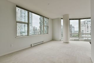 "Photo 21: 2002 1500 HORNBY Street in Vancouver: Yaletown Condo for sale in ""888 BEACH"" (Vancouver West)  : MLS®# R2461920"