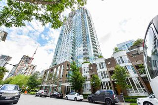 "Photo 1: 2002 1500 HORNBY Street in Vancouver: Yaletown Condo for sale in ""888 BEACH"" (Vancouver West)  : MLS®# R2461920"