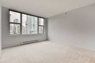 "Photo 27: 2002 1500 HORNBY Street in Vancouver: Yaletown Condo for sale in ""888 BEACH"" (Vancouver West)  : MLS®# R2461920"