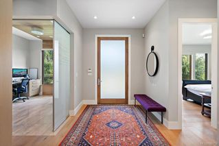 Photo 3: 1219 Chapman St in : Vi Fairfield West House for sale (Victoria)  : MLS®# 845753