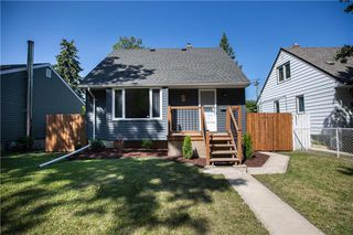 Photo 1: 821 Cambridge Street in Winnipeg: River Heights South Residential for sale (1D)  : MLS®# 202018056