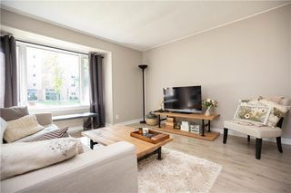Photo 7: 821 Cambridge Street in Winnipeg: River Heights South Residential for sale (1D)  : MLS®# 202018056